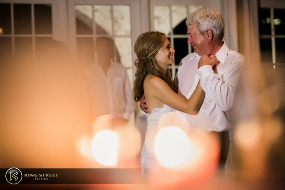 wedding pictures of charleston weddings – aj at wild dunes golf club by charleston wedding photographers king street studios (23)