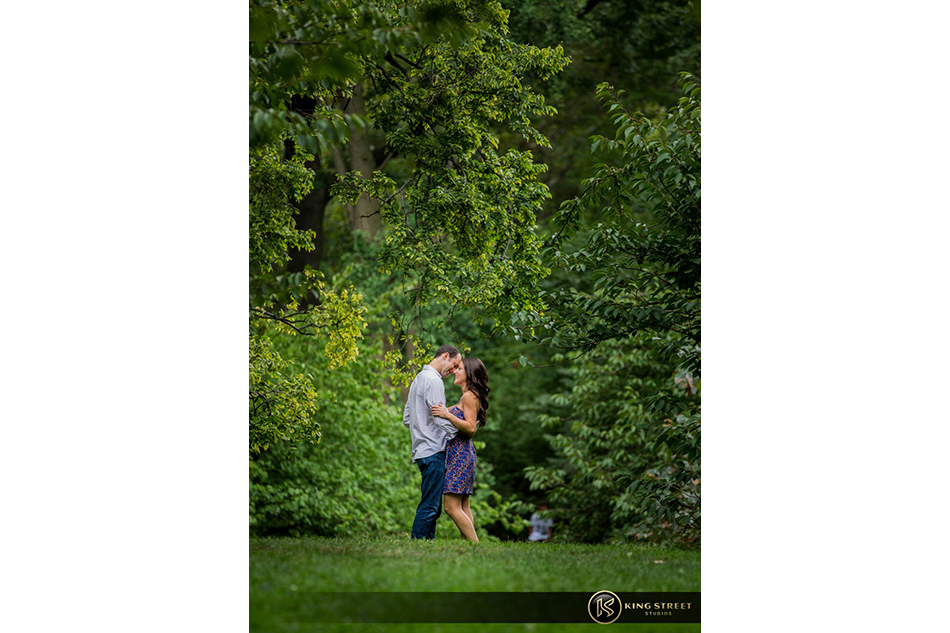 new york engagement pictures and new york engagement photography by new york wedding photographers king street studios-5