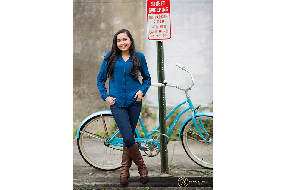 charleston senior pictures of monae by charleston senior portrait photographers king street studios (3)