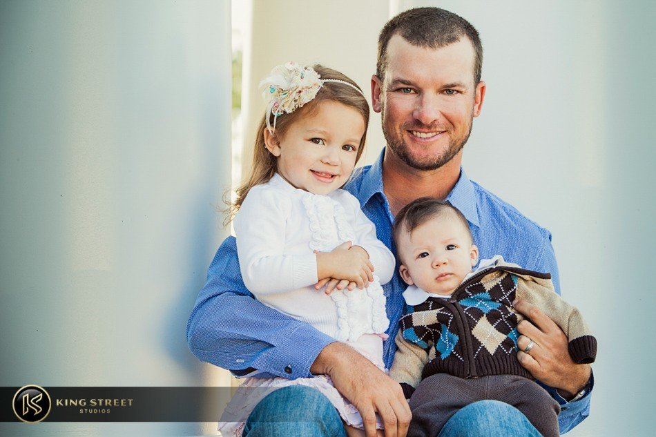 family pictures of profesional golfer kyle thompson by charleston family portrait photographers king street studios (2)