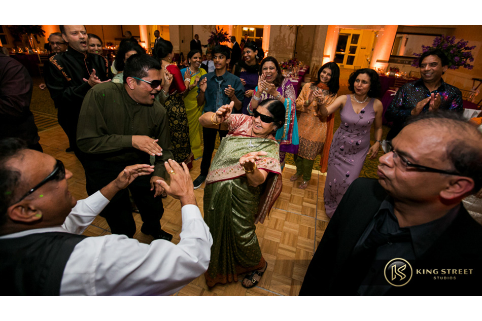 indian wedding and indian wedding pictures at wild dunes resort by charleston wedding photographers king street studios