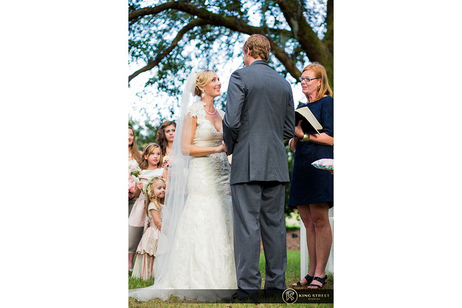 wedding pictures from charleston weddings at legare waring house by charleston wedding photographers king street studios