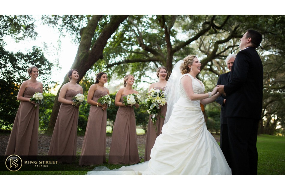 charleston weddings, charleston wedding photography, wedding pictures and wedding photos at legare waring house by charleston wedding photographers king street studios 24
