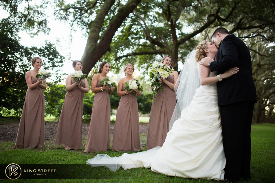 charleston weddings, charleston wedding photography, wedding pictures and wedding photos at legare waring house by charleston wedding photographers king street studios 28