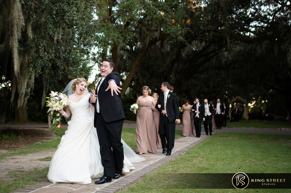 charleston weddings, charleston wedding photography, wedding pictures and wedding photos at legare waring house by charleston wedding photographers king street studios 61
