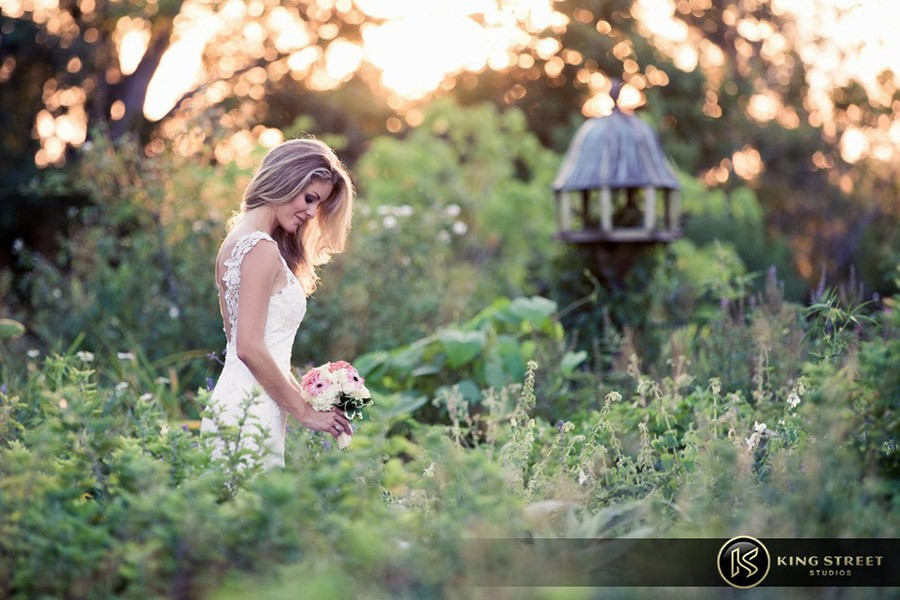 bridal pictures by charleston wedding photographers king street studios-1