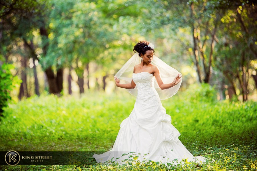 bridal pictures by charleston wedding photographers king street studios-19