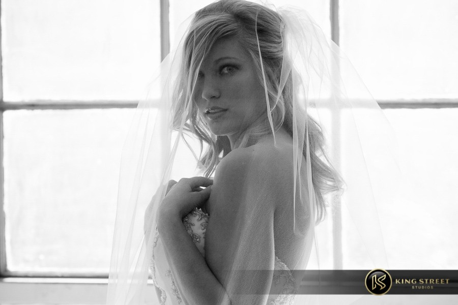 bridal pictures by charleston wedding photographers king street studios-27