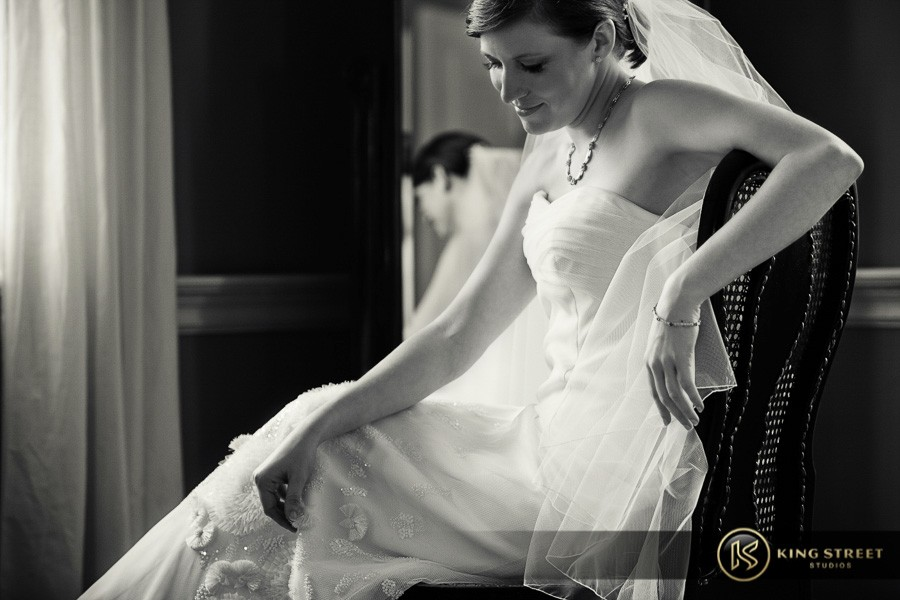 bridal pictures by charleston wedding photographers king street studios-28