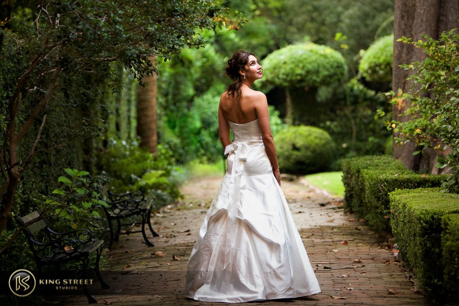 bridal pictures by charleston wedding photographers king street studios-33
