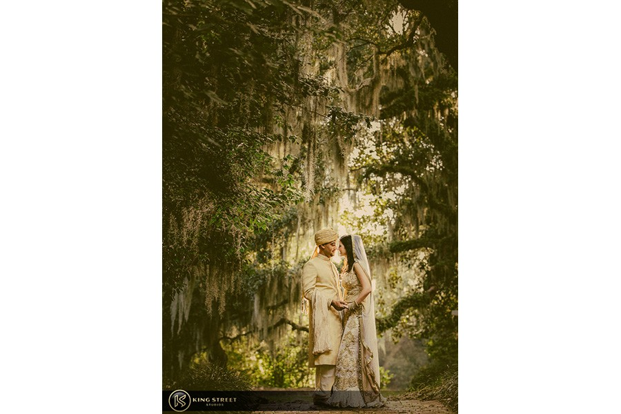 wedding pictures by charleston wedding photographers king street studios (500)