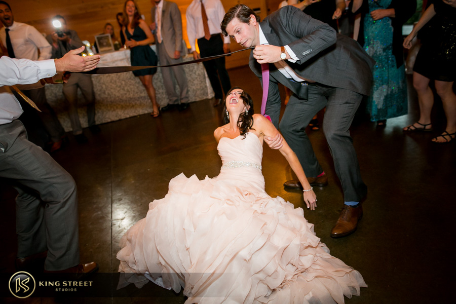 wedding pictures by best charleston wedding photographers king street studios (43)