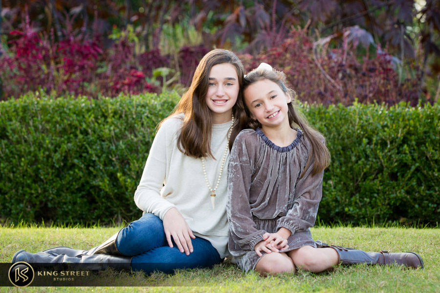 family pictures at boone hall plantation by top family portrait photographers king street studios (10)