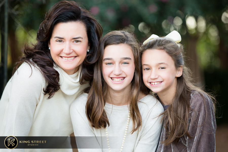 family pictures at boone hall plantation by top family portrait photographers king street studios (8)